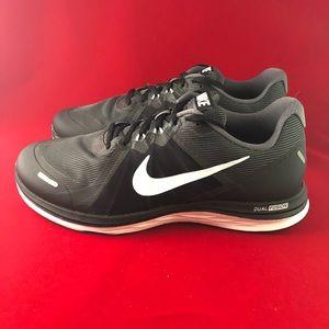Nike Dual Fusion X 2 Black Running Shoes 10.5